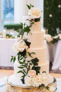 Traditional Elegant Wedding Cake Flowers at Londonhouse Chicago