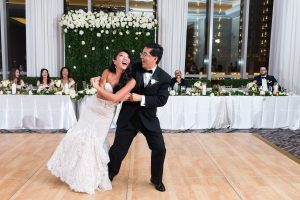 Traditional Elegant Wedding Flowers and Arch Londonhouse Chicago